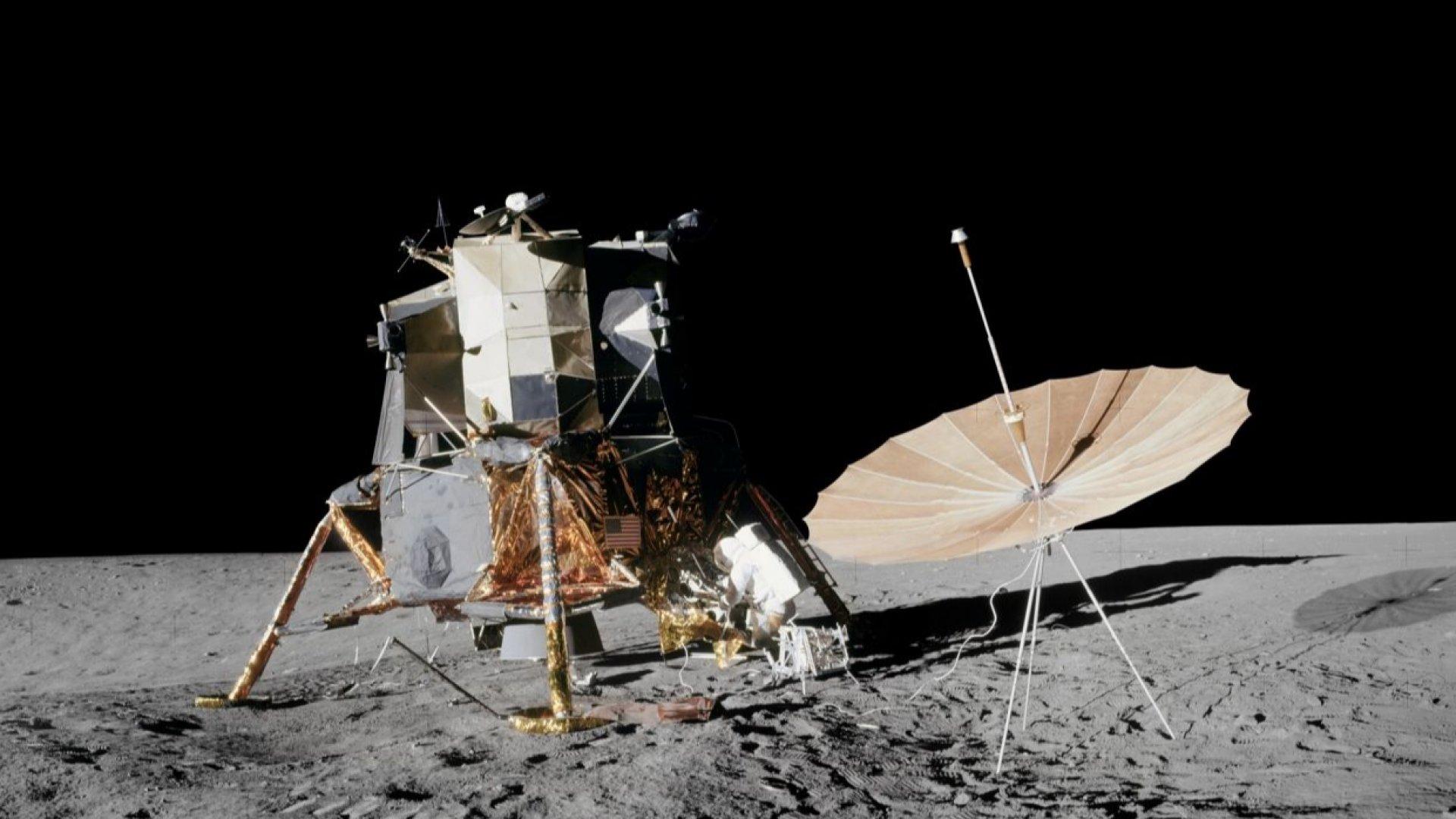 Тръмп подписа указ за добив на ресурси от Луната