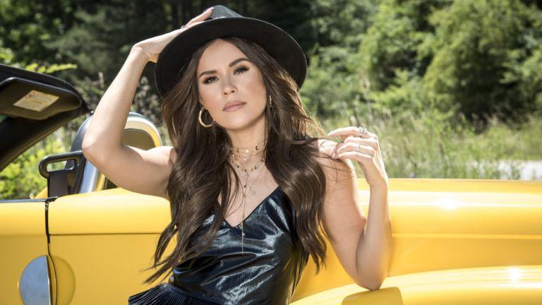 Йоана от X Factor: Чувствам се обичана, но не съм готова да посветя песен на някого