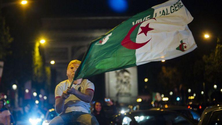 Година след Мондиала Париж пак не спа, но този път не заради Франция