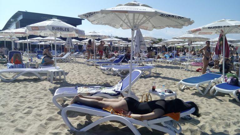 Борят престъпността в Слънчев бряг с осветление на плажа