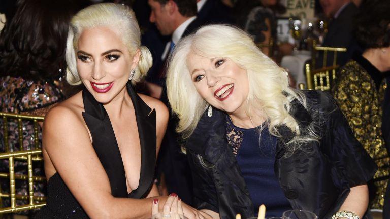 Майката на Лейди Гага коментира раздялата на Брадли и Ирина