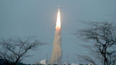 Индия изстреля своята втора лунна мисия