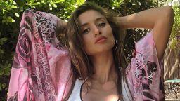 Саня Борисова покачи летните градуси със снимки по бански