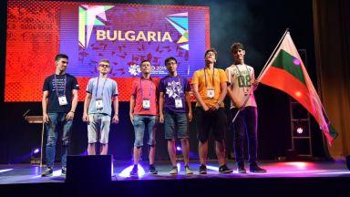 С пет сребърни и един бронзов медал се завръща българският отбор от международна олимпиада по математика