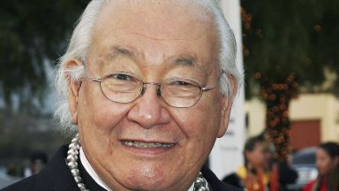 Писател индианец от племето кайоуа с Дейтънската литературна награда за мир