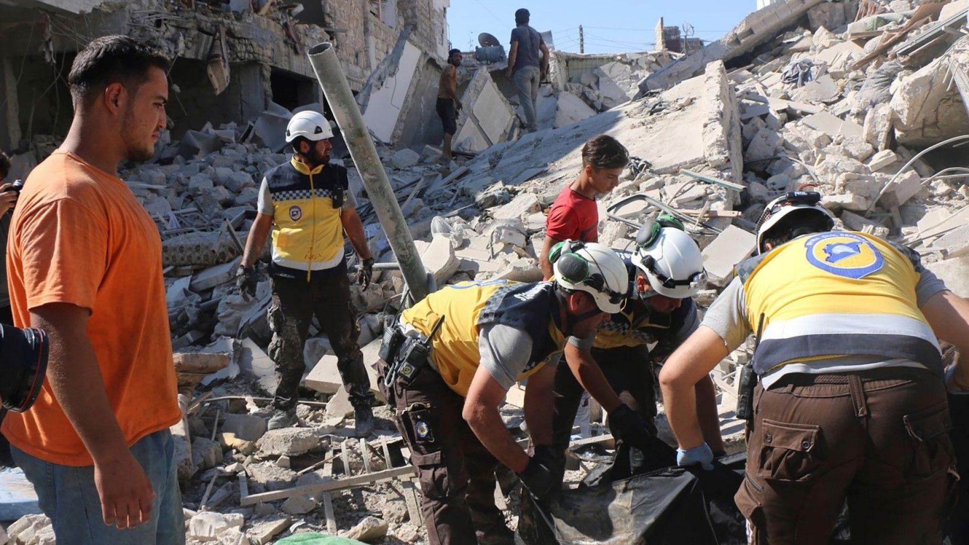 Най-малко 23 души загинаха днес при въздушен удар срещу пазар