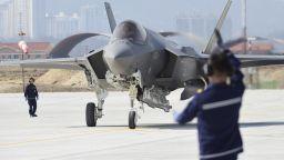 Южнокорейски военни стреляли предупредително срещу руски бойни самолети