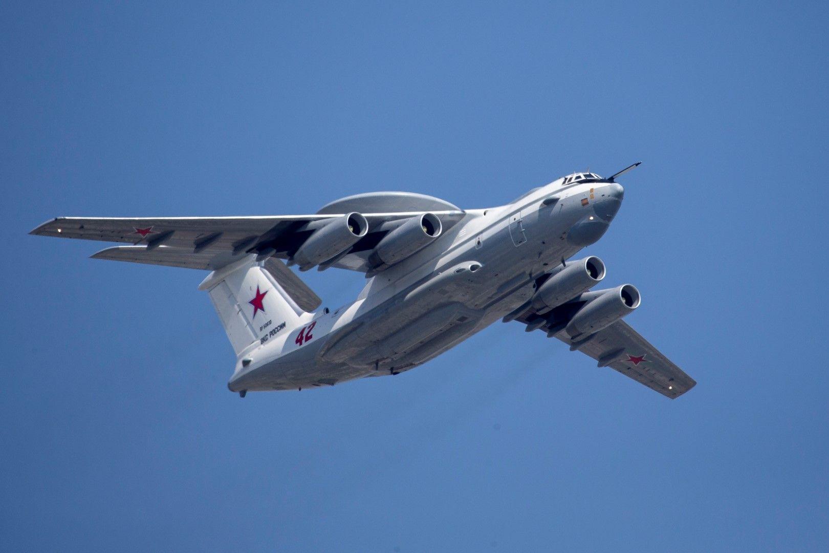 Руски военен самолет Бериев А-50 (Beriev A-50) за далечно радиолокационно откриване и управление е водел руските машини