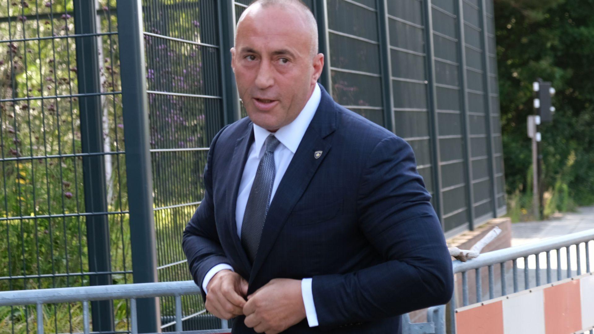 Косовският премиер в оставка мълча пред съда в Хага