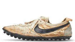 Чифт спортни обувки от 1972-а бяха продадени за 440 хиляди долара