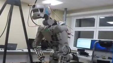 Роботът Фьодор вече има своя страница в Туитър (видео)