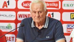 Люпко Петрович атакува играчите си след загубата в Стара Загора