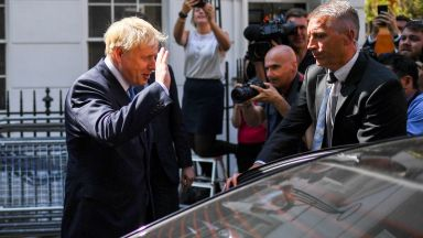Борис Джонсън призовава Германия и Франция да направят компромис за Брекзит