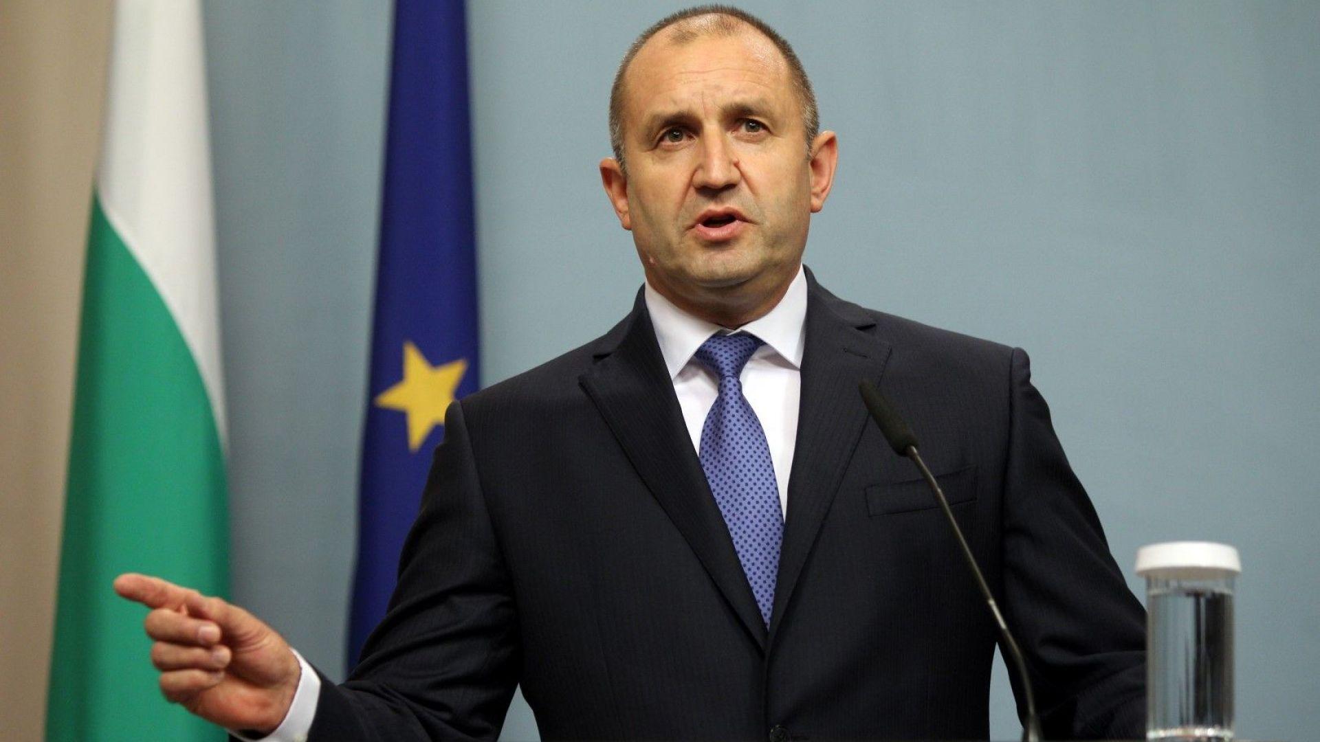 Държавният глава към премиера: Кое налага да криете толкова далеч Пламен Георгиев