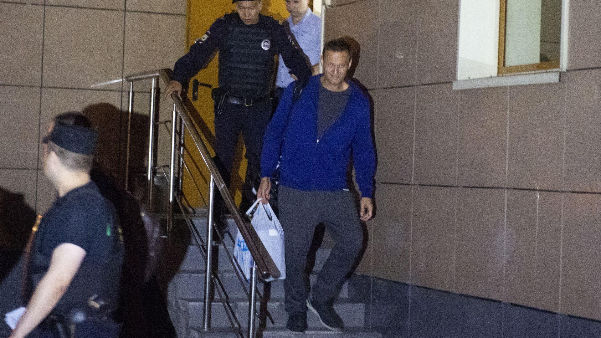 Навални осъден на 30 дни арест заради призив за митинг
