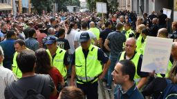 Протест и контрапротест пред ВСС (снимки)
