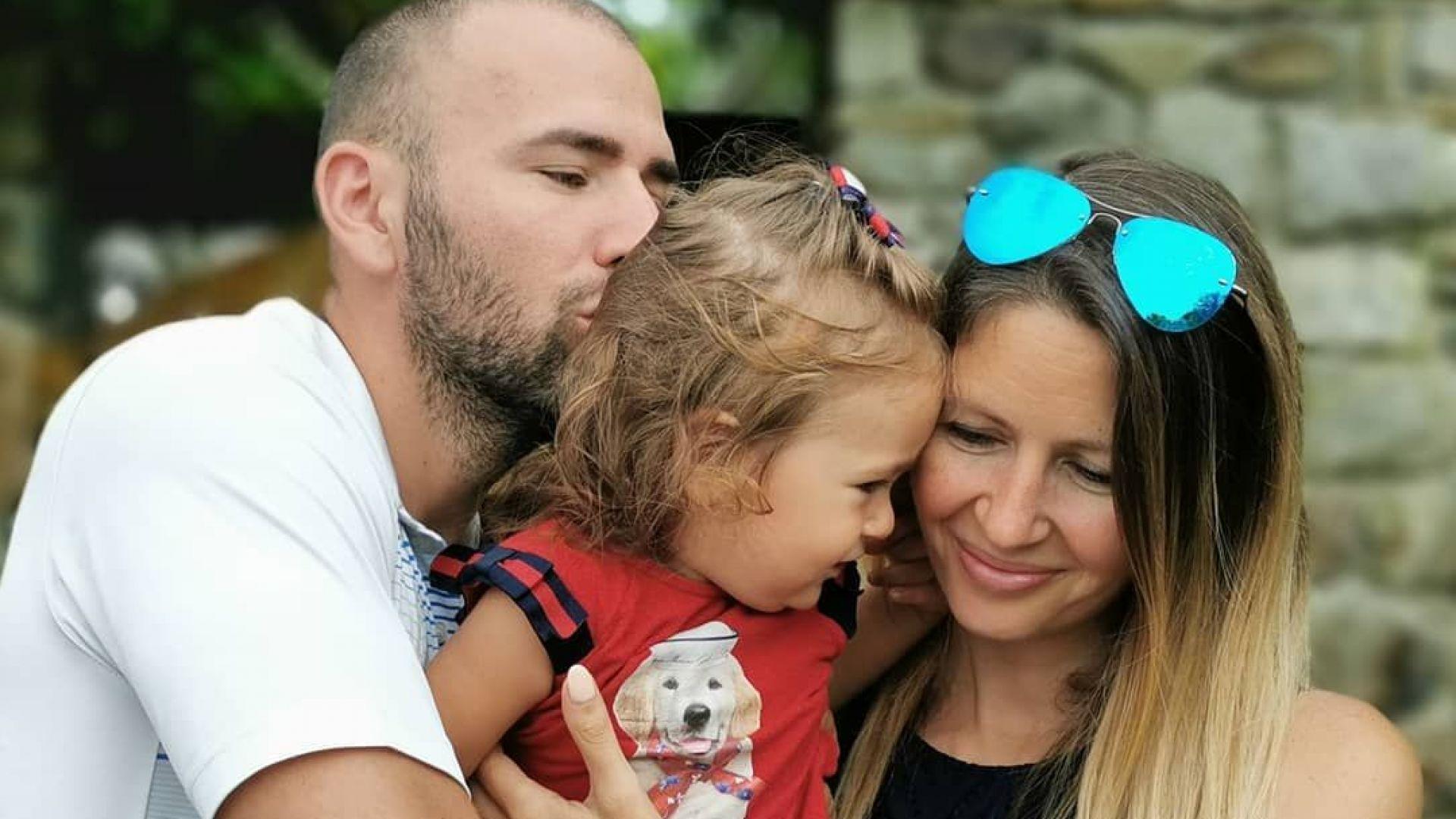 Атанас Месечков стана отново баща на годишнината от сватбата си
