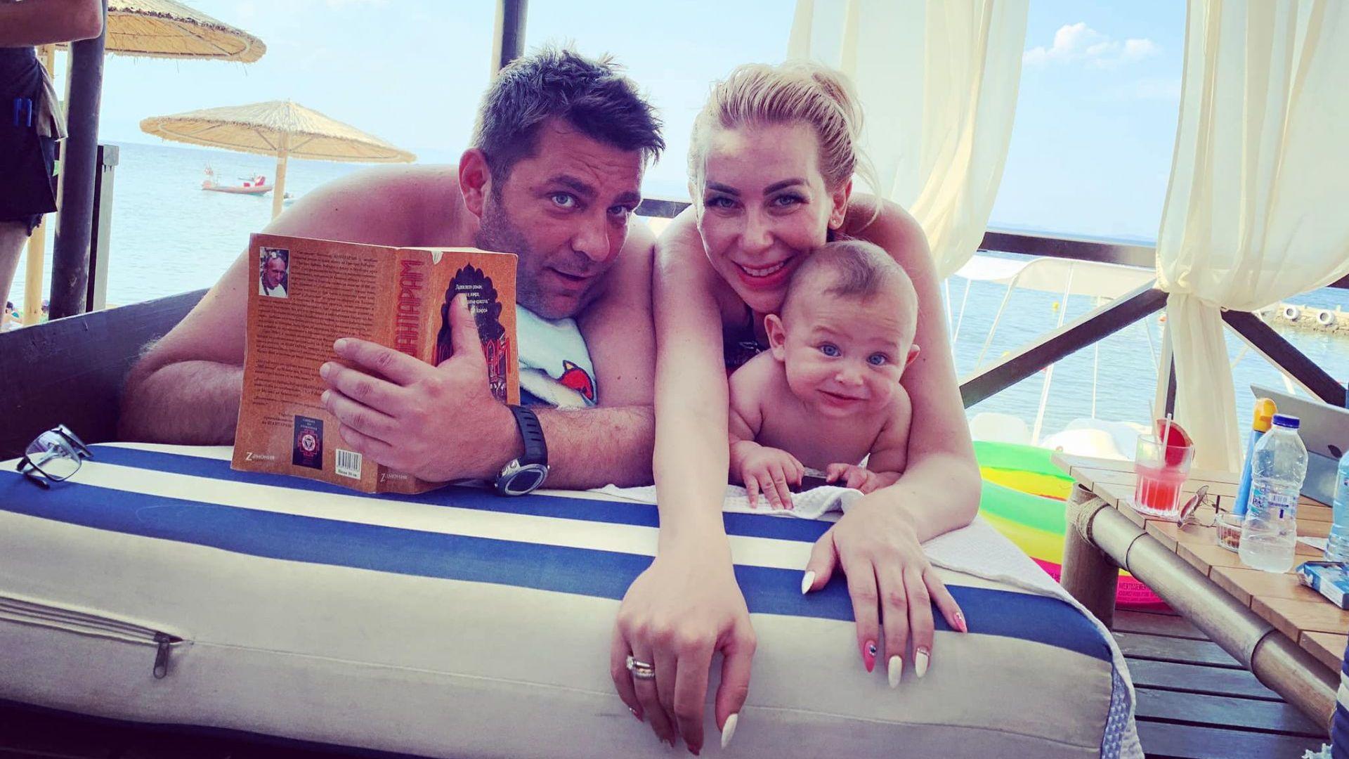 Антония Петрова щастлива и сияйна на почивка в Гърция