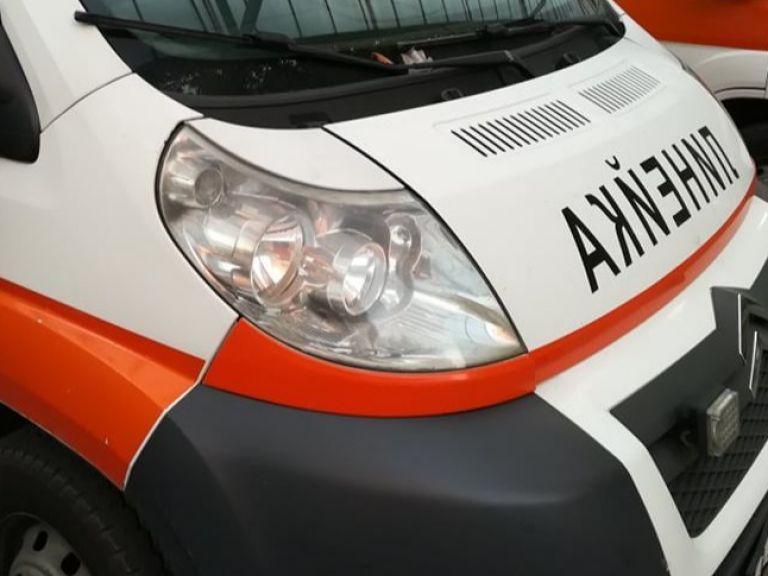 Борят се за живота на двама младежи след катастрофа с BMW в Бургаско