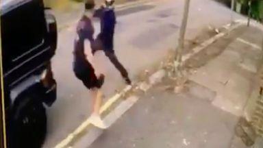 Въоръжени атакуваха звезди на Арсенал на улица в Лондон