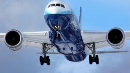 В САЩ забраниха внасянето на някои макбуци в самолети, били опасни