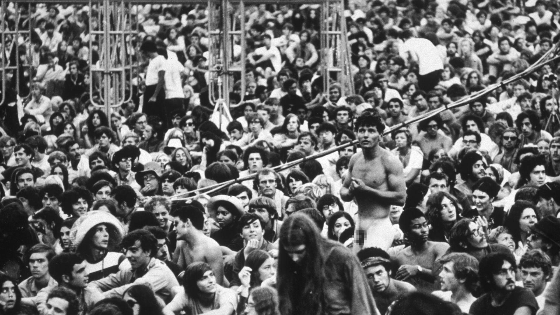 """Местят 50-годишнината на култовия фестивал """"Удсток"""" от щата Ню Йорк"""