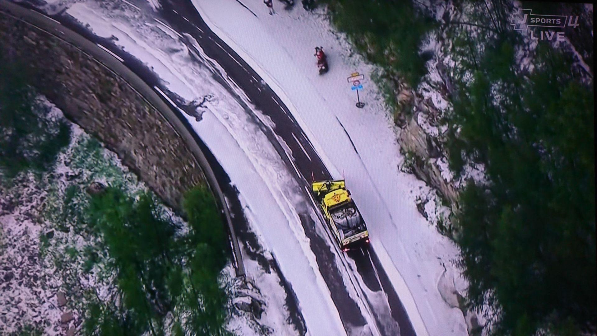 """Градушка прекрати етап от """"Тур дьо Франс"""" (видео)"""