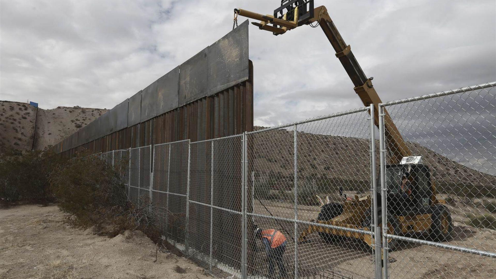 Пентагонът пренасочи към граничната стена на Тръмп 3,6 млрд. долара