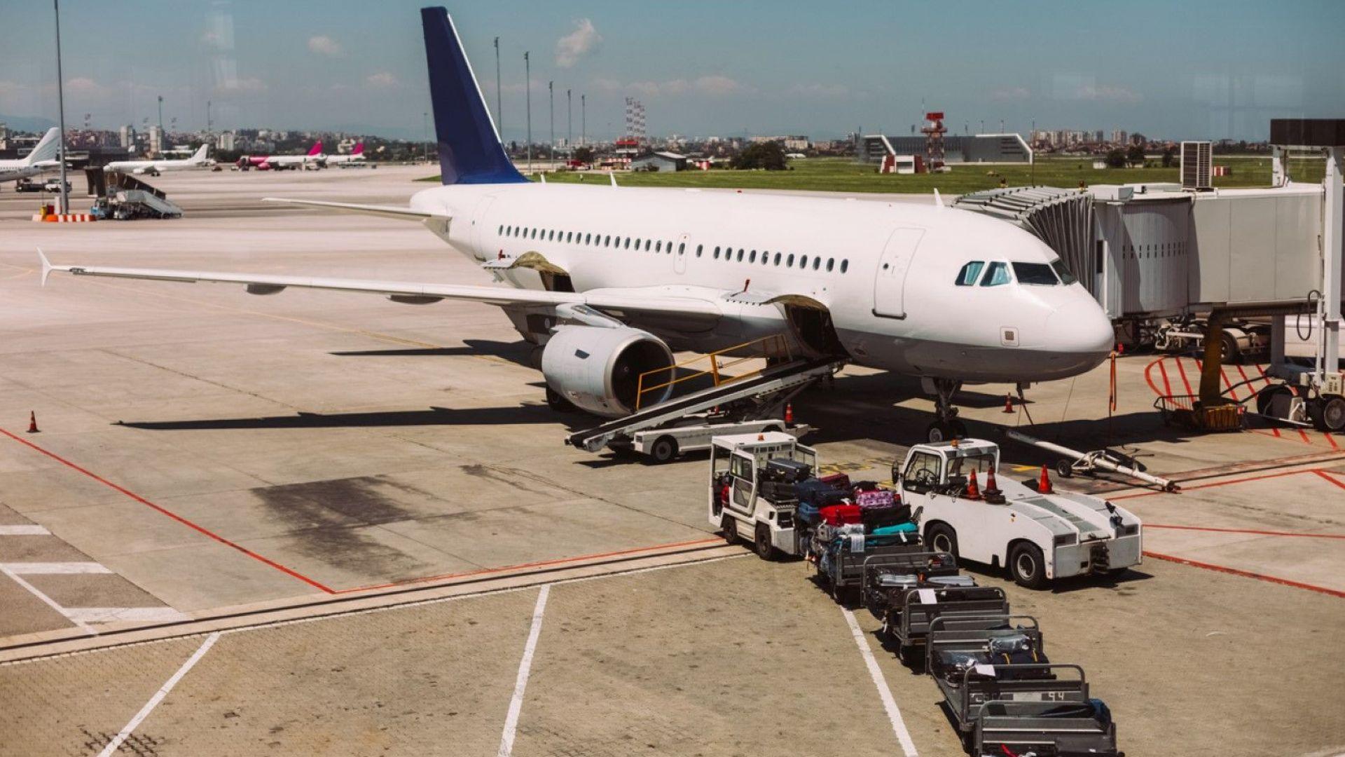 Желязков разпореди проверка за спазването на правата на пътниците при отмяна или закъснение на полет