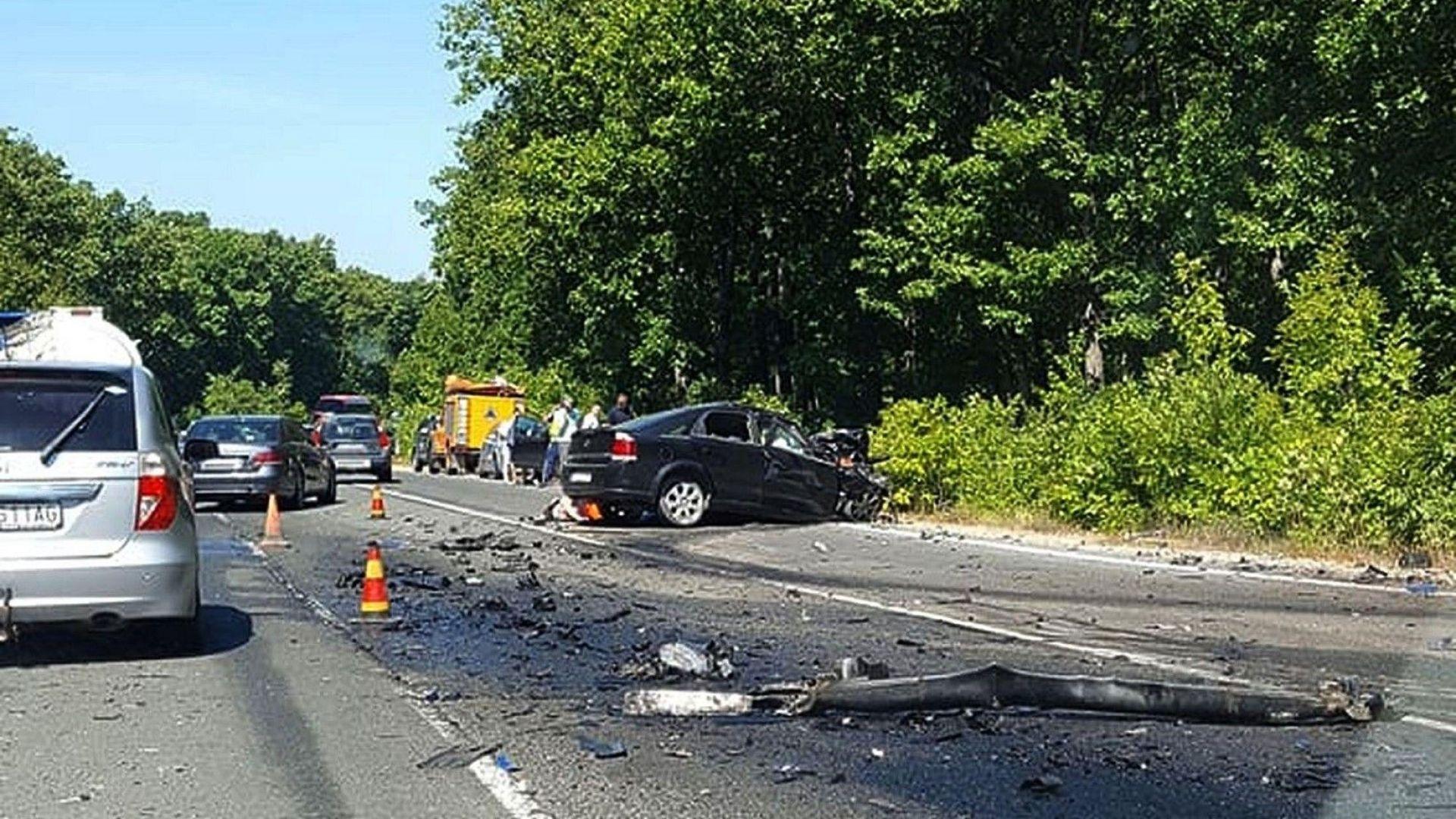 Възстановено е движението по пътя Варна-Бургас, освен детето и жената почина и водачът на лекия автомобил