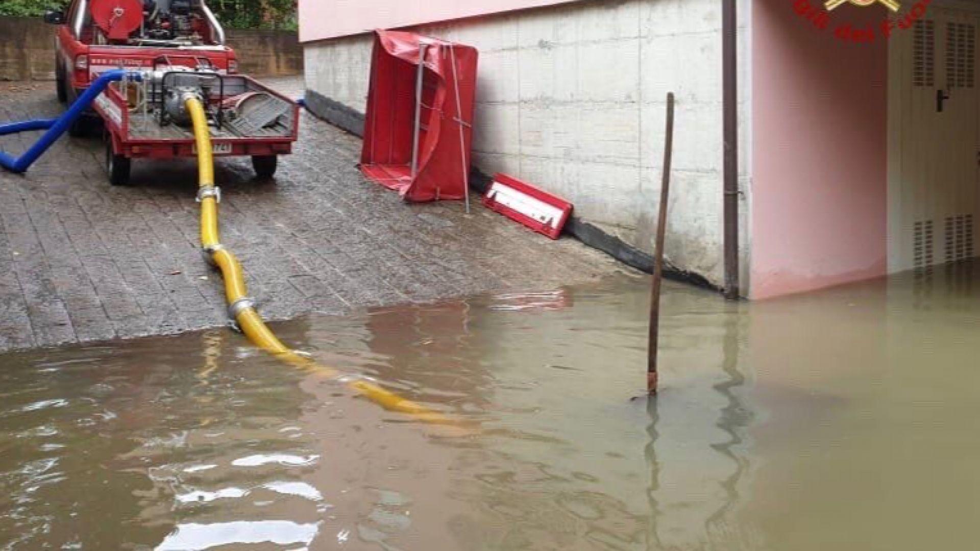 Бури и силни дъждове в Италия отнеха живота на трима души, Мостар също бе наводнен