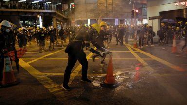 """Пекин порица """"ужасяващите"""" протести в Хонконг"""