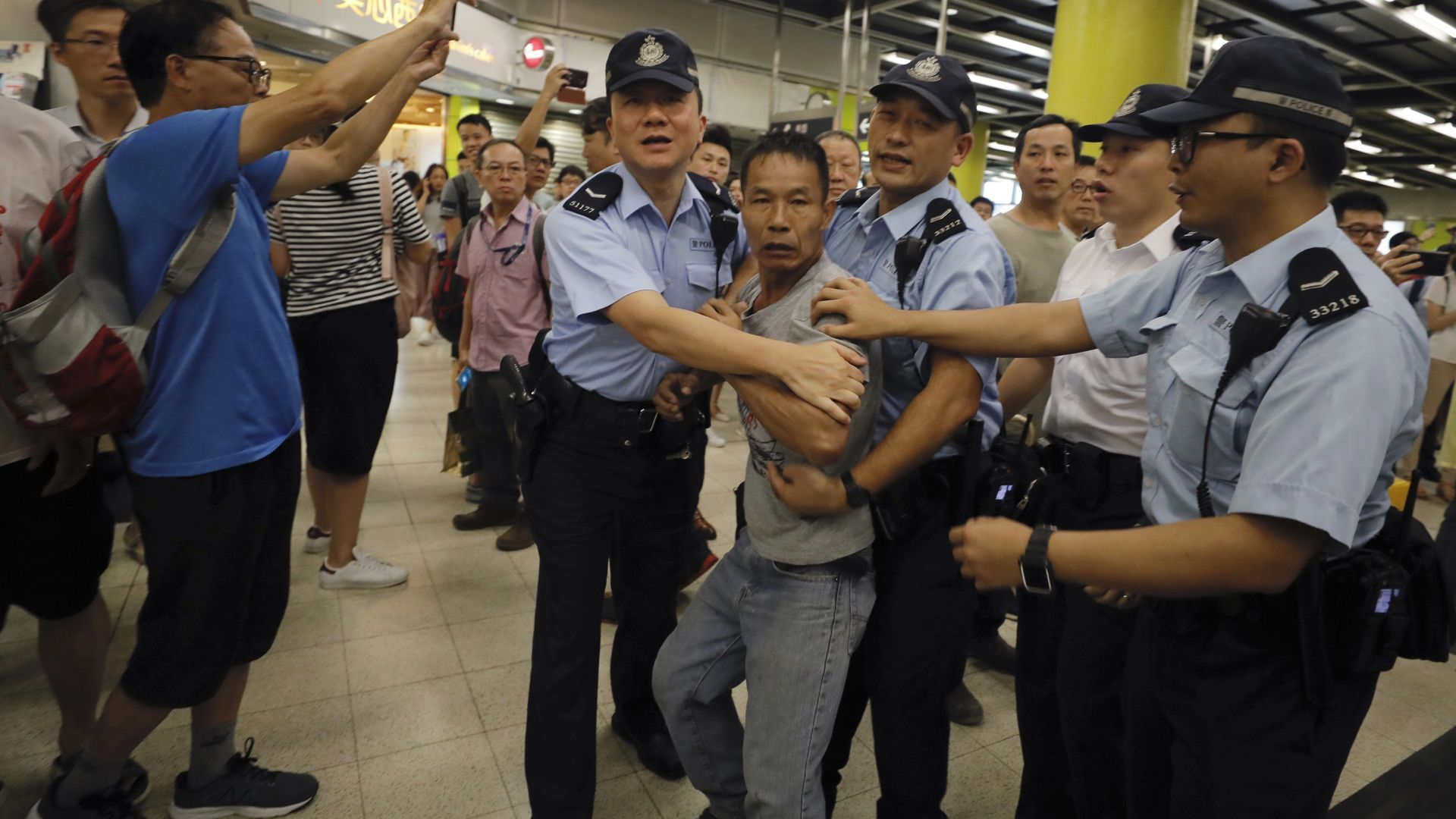 Нови митинги в Хонконг след сблъсъците с полицията