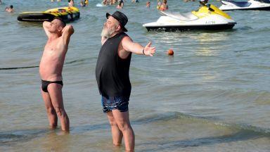 Хотелиери предлагат Слънчев бряг да приема преболедували коронавирус