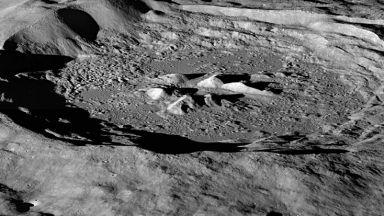 """Индия е кацнала """"твърдо"""" на Луната"""