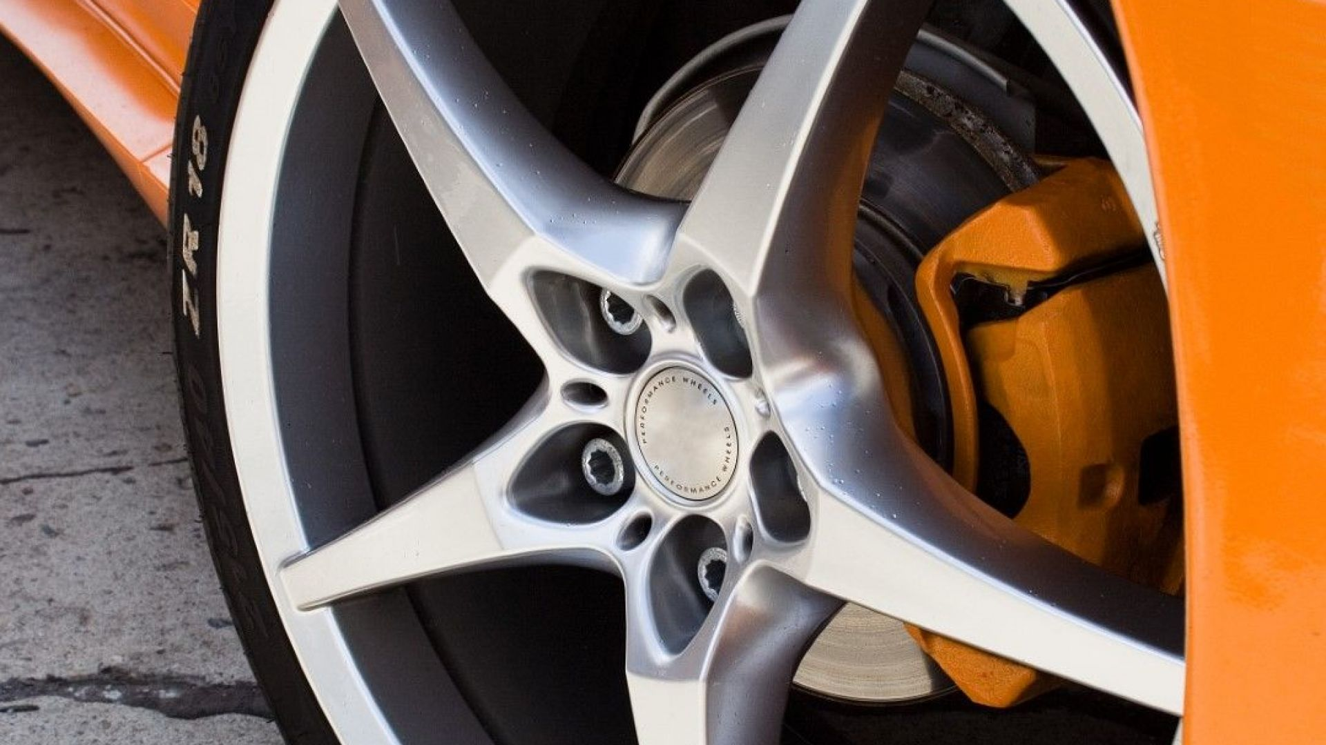Японската компания Тойо ще строи завод за автомобилни гуми в Сърбия