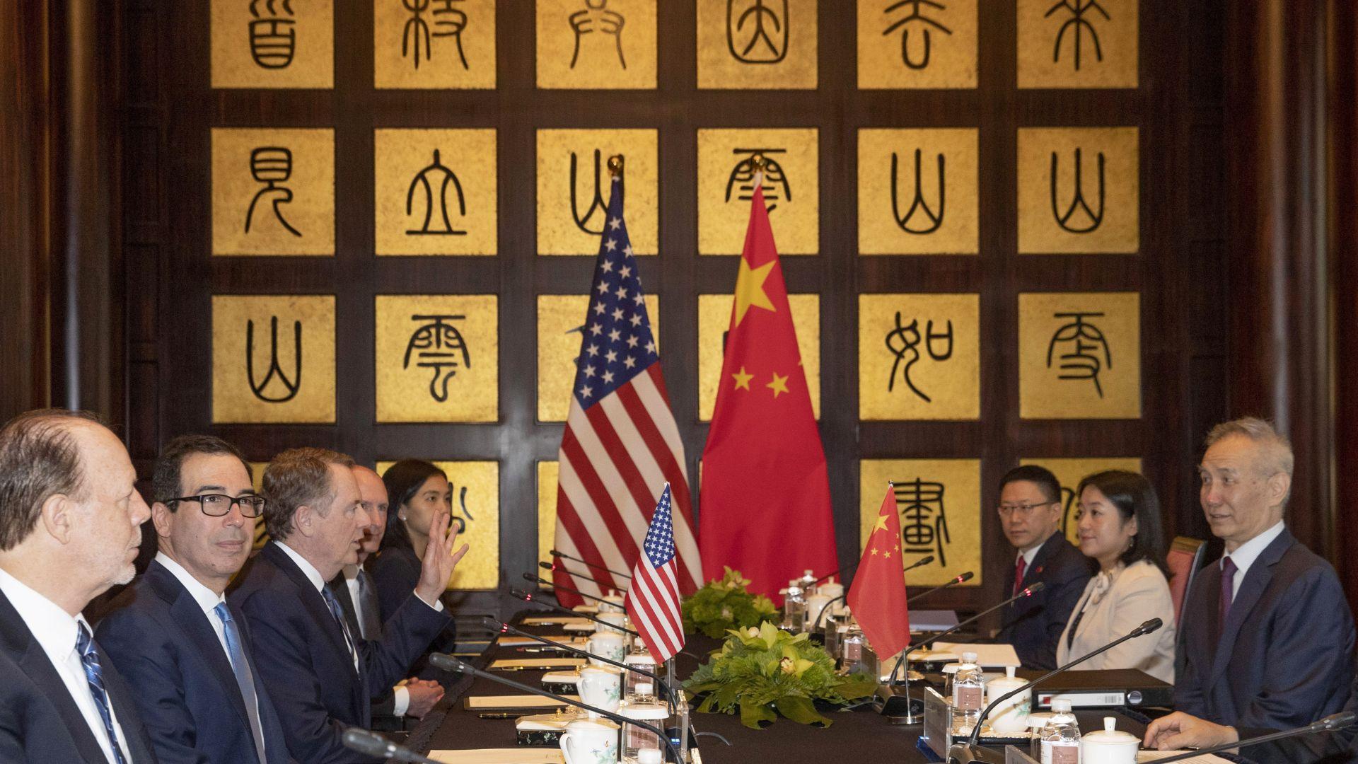 САЩ и Китай приключиха търговските преговори в Шанхай, нови разговори през септември