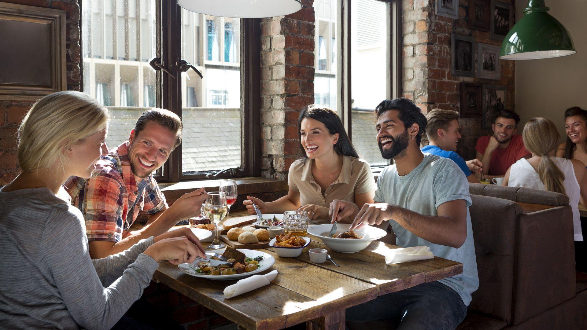 Топ 10: Колко време посвещават европейците на храненето