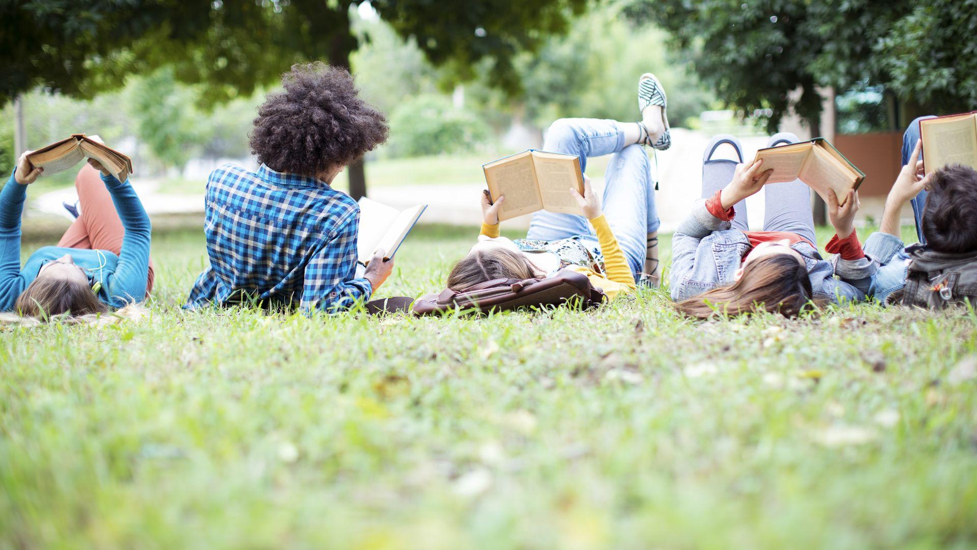 Столичната библиотека отваря летни читални в парковете