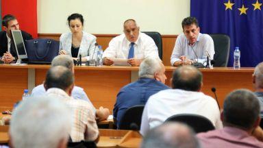 Десислава Танева: Не прави чест на Корнелия Нинова да печели избиратели покрай чумата