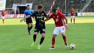 ЦСКА загря за рестарта със светкавично изкована победа