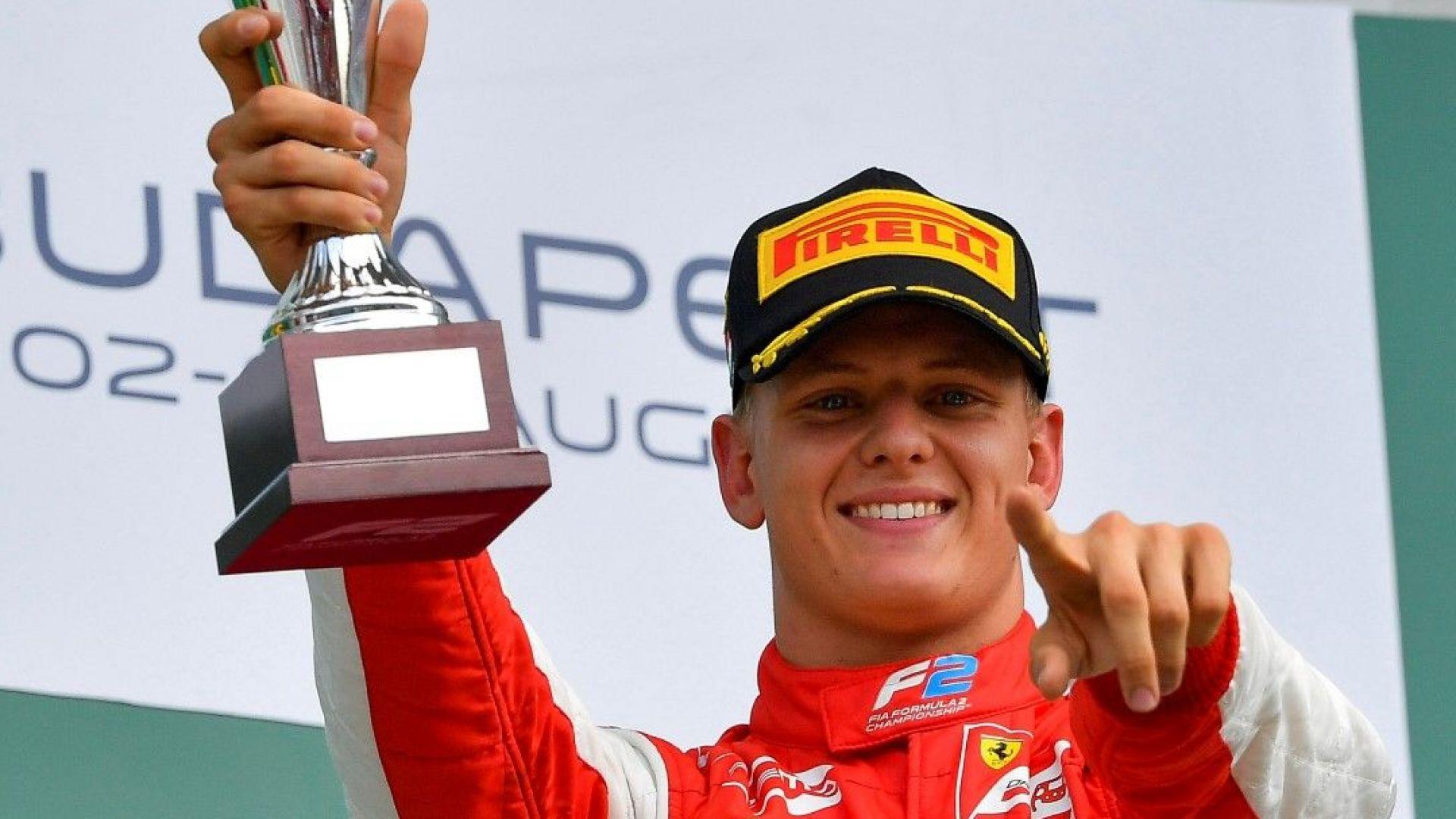 Новината е близо: Шумахер е пред договор със скромен тим във Формула 1