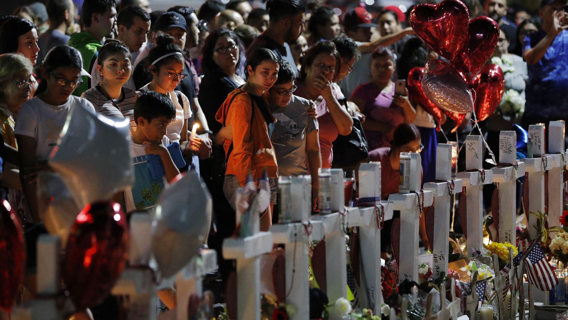 """Разпространиха снимка на """"вътрешния терорист"""" от Ел Пасо"""