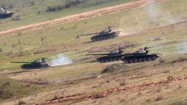 Всички европейци обичат армиите си, освен българите