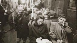 Фотографии от нюйоркското метро през 40-те, направени от 17-годишния Стенли Кубрик