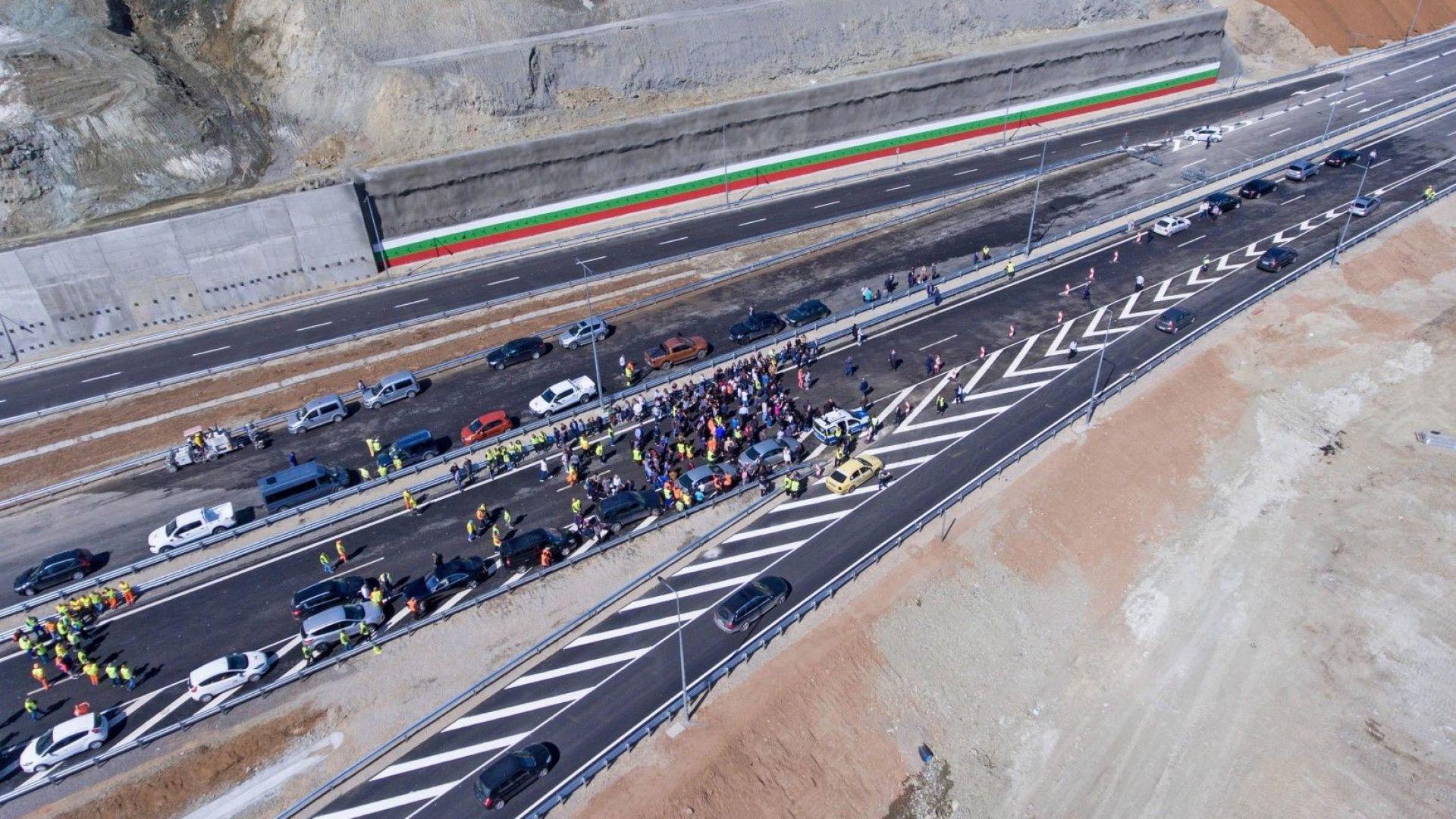 """Правителството осигури повече от 741 млн. лева за нов път """"Крупник-Кресна"""""""
