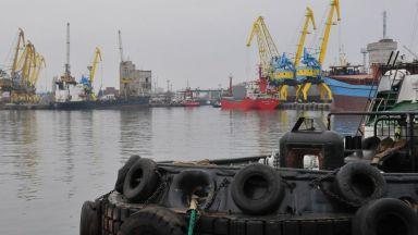Китайски кораб акостира в Бургас