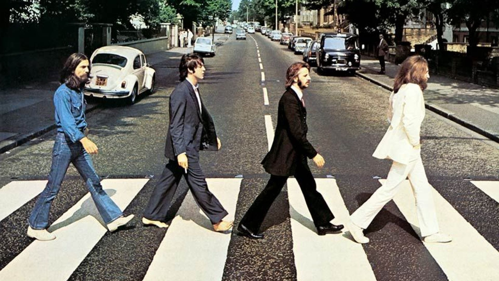 "Знаковата обложка на албума ""Аби Роуд"" на ""Бийтълс"" става на 50 години"
