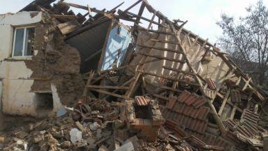 Мощен трус разлюля Турция, има разрушения и затрупани хора (видео)