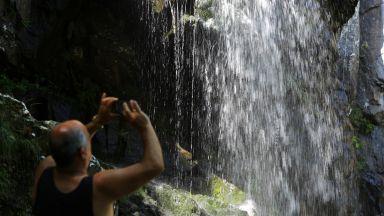 До Боянския водопад в търсене на прохлада (снимки)